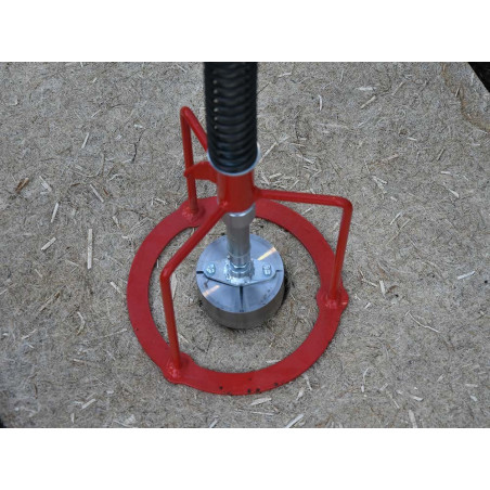 Natural mulch hole cutter