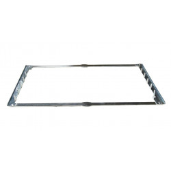 Spreader frame